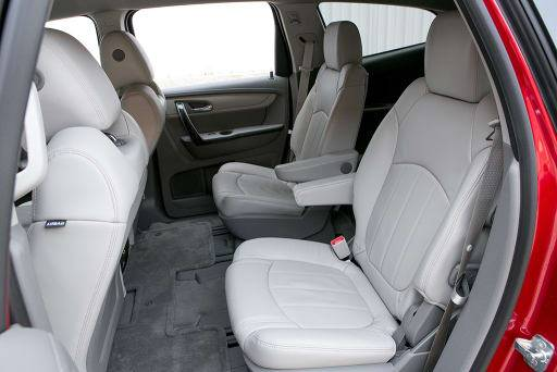 Which 2013 Three Row Suvs Offer Second Row Captain S Chairs News Cars Com