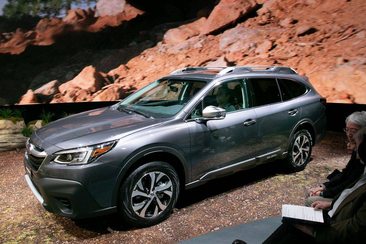 05-subaru-outback-2020-angle--exterior--front--grey.jpg