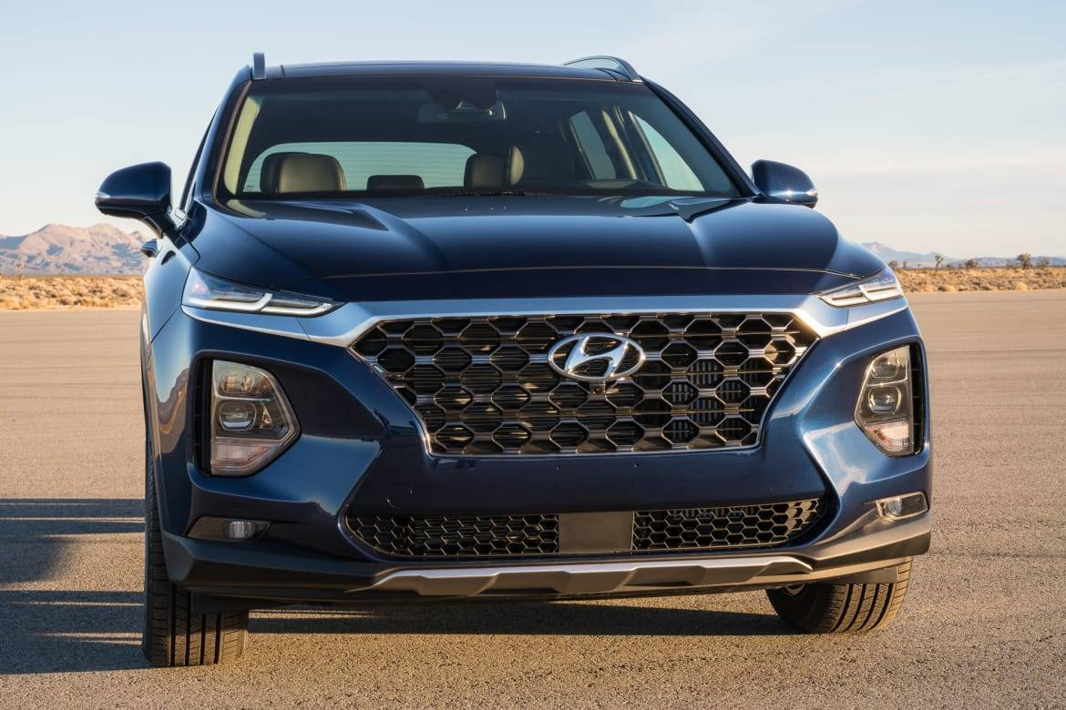 Top 5 Videos and Reviews of the Week: Santa Fe Sneaks Up on RAV4