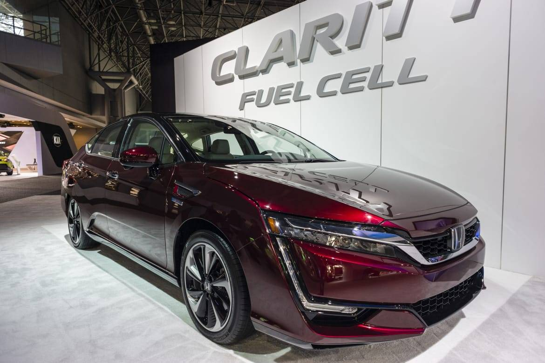 17_Honda_Clarity_Fuel_Cell.jpg