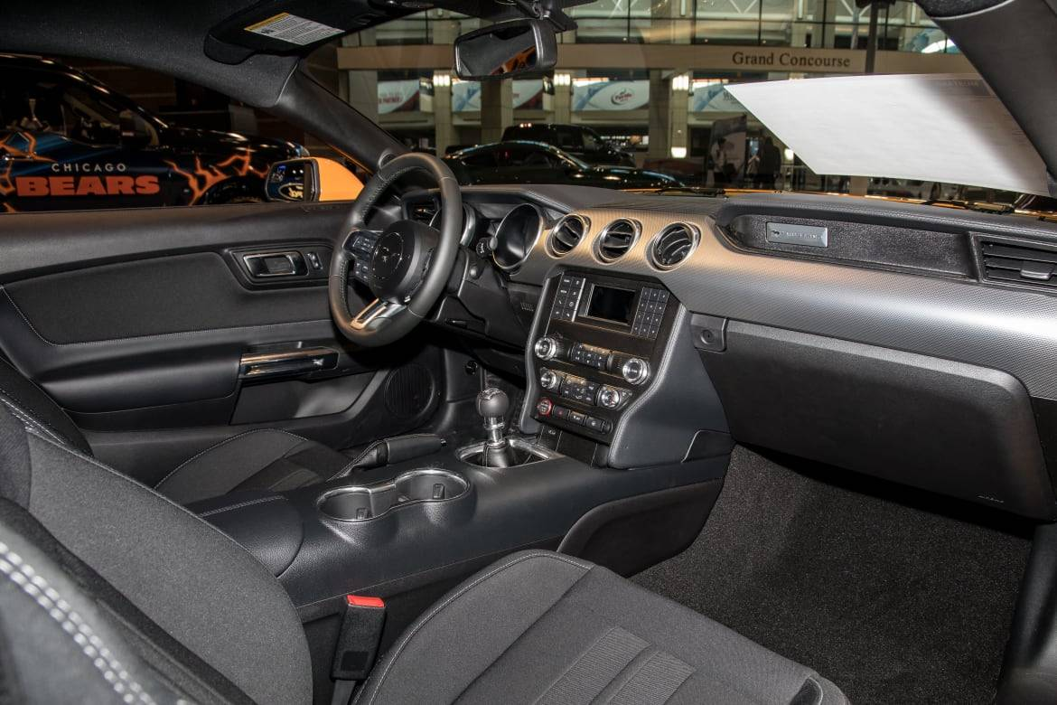 03-ford-mustang-gt-coupe-2019-cl.jpg