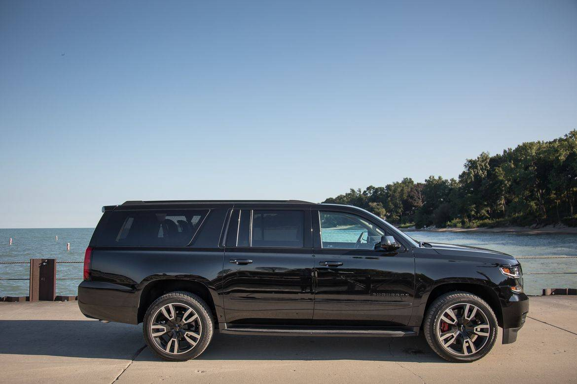 2019 chevrolet suburban 10 things we like and 5 not so much news cars com 2019 chevrolet suburban 10 things we