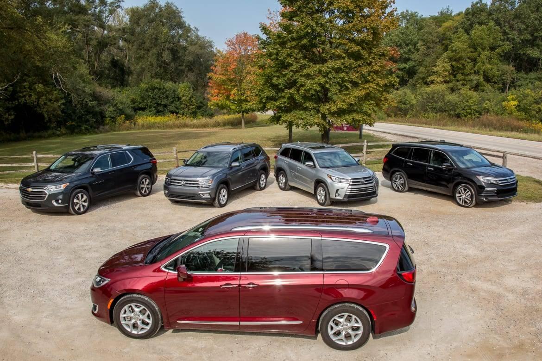 Does A 3 Row Suv Really Rival A Minivan For Family Hauling News Cars Com