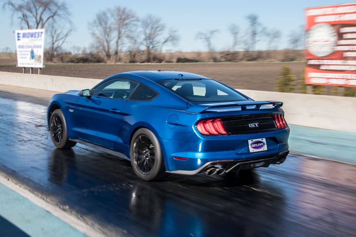 05-ford-mustang-gt-2018-blue--drag-strip--exterior--rear-angle.j