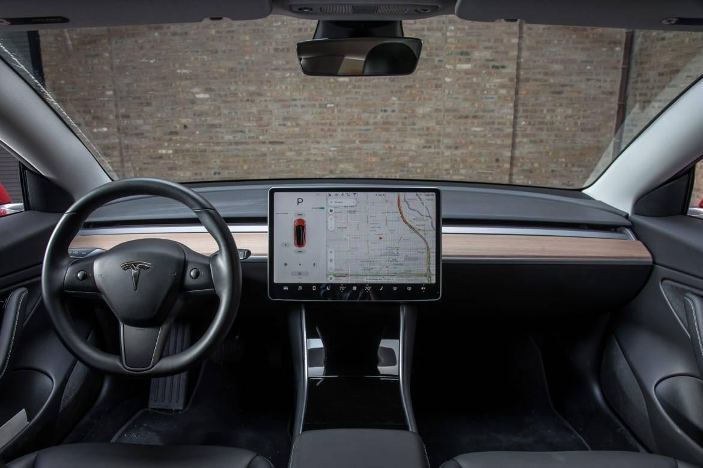02-tesla-model-3-2018-front-row--interior--wide.jpg