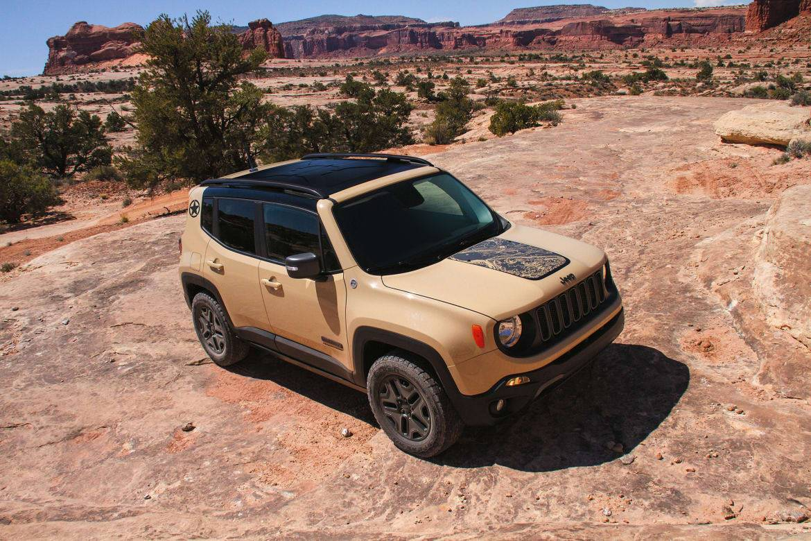 Jeep Renegade Deserthawk, Altitude to Debut in L.A.