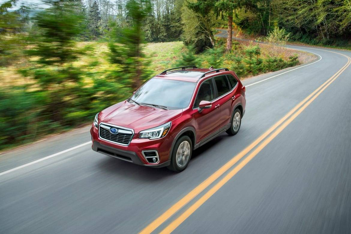 01-subaru-forester-2019-angle--exterior--front--outdoors--red--t