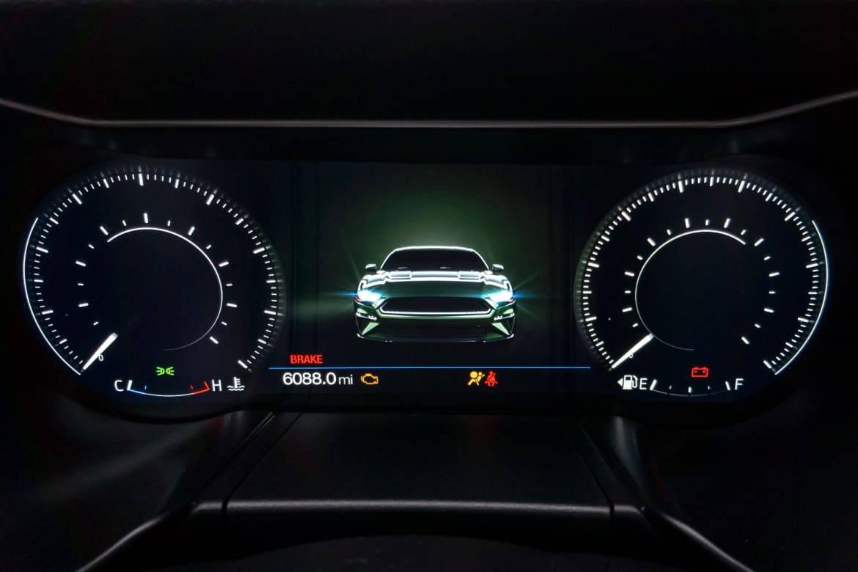 16-ford-mustang-bullitt-2019-instrument-panel--interior.jpg