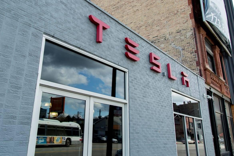 Tesla_Model-3_AC_07.jpg