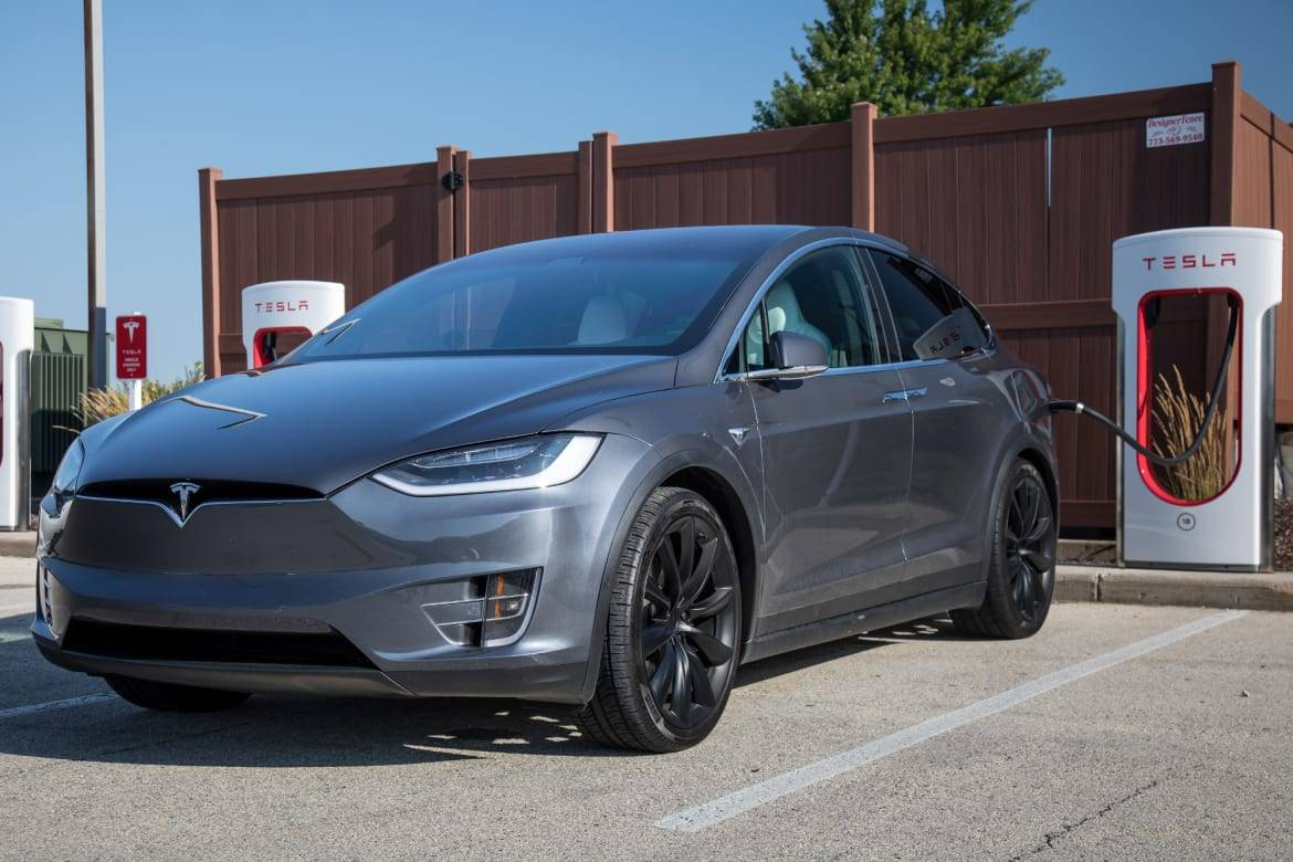 Tesla Model X 8 Things We Like A Lot And 8 We Don T News Cars Com