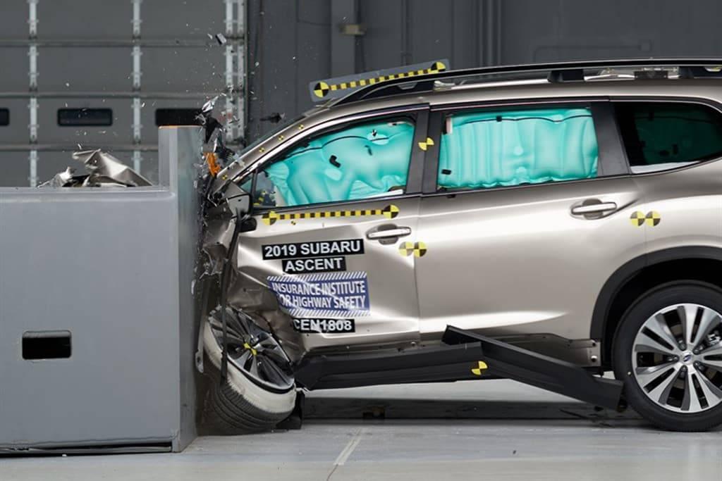 19_Subaru_Ascent Crash Test_IIHS.jpg