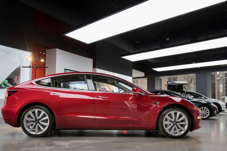 The Week in Tesla News: Self-Driving Price Hike, Model 3 ...