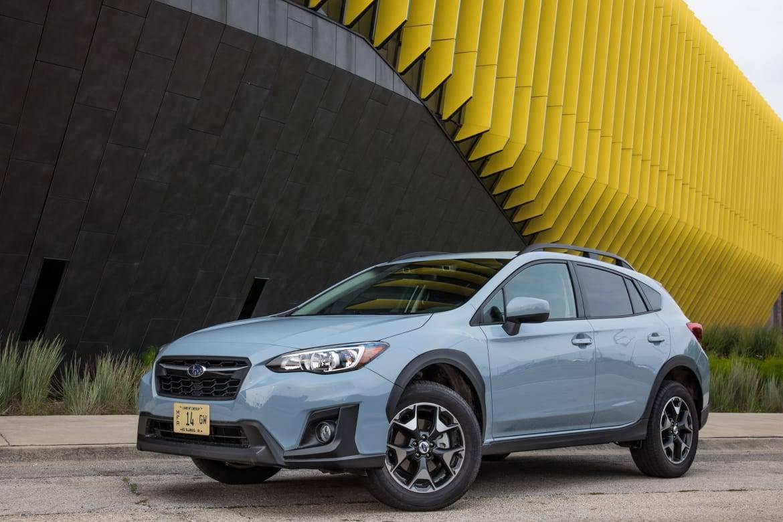 43-subaru-crosstrek-2.0i-premium-awd-2018-angle--blue--exterior-