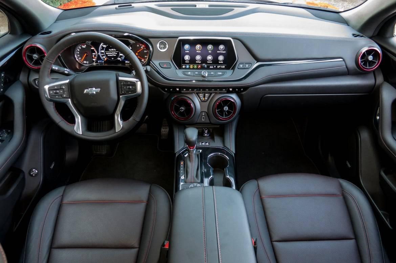 14-chevrolet-blazer-2019-cockpit-shot--interior.jpg