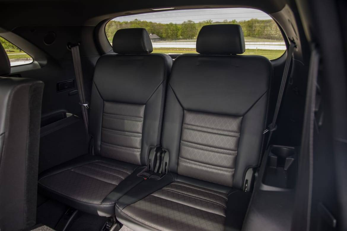 17-kia-sorento-2019-interior--third-row.jpg