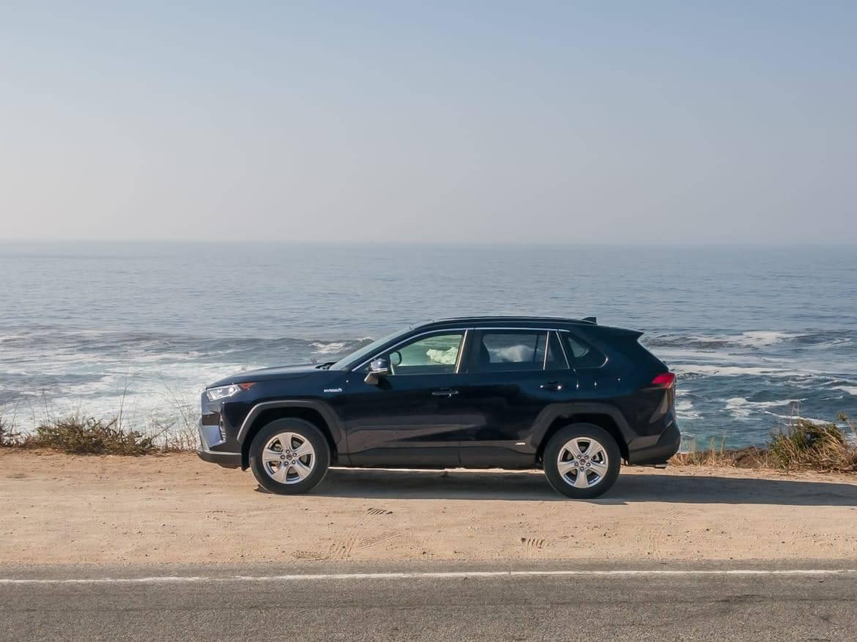 02-toyota-rav4-hybrid-2019-black--exterior--ocean--profile.jpg