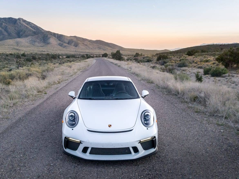 03-porsche-911-gt3-2018-exterior--front--white.jpg