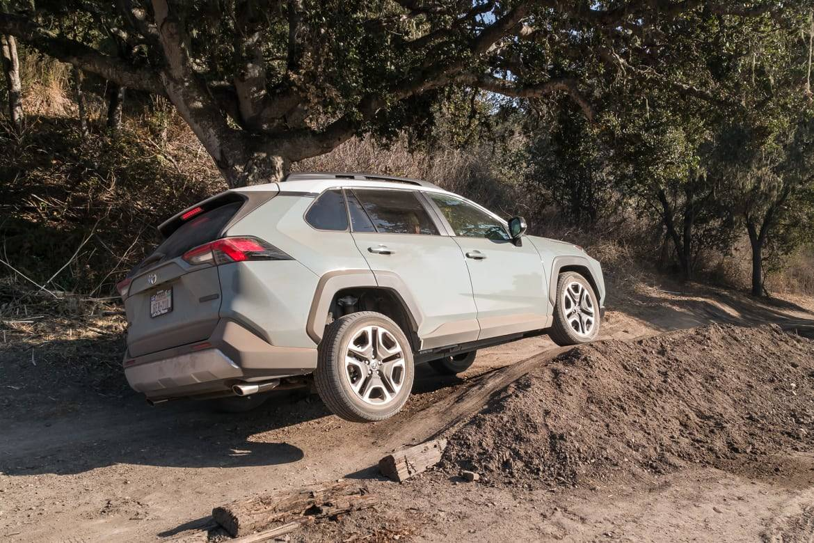 Top 5 Reviews and Videos of the Week: The RAV4 Rises