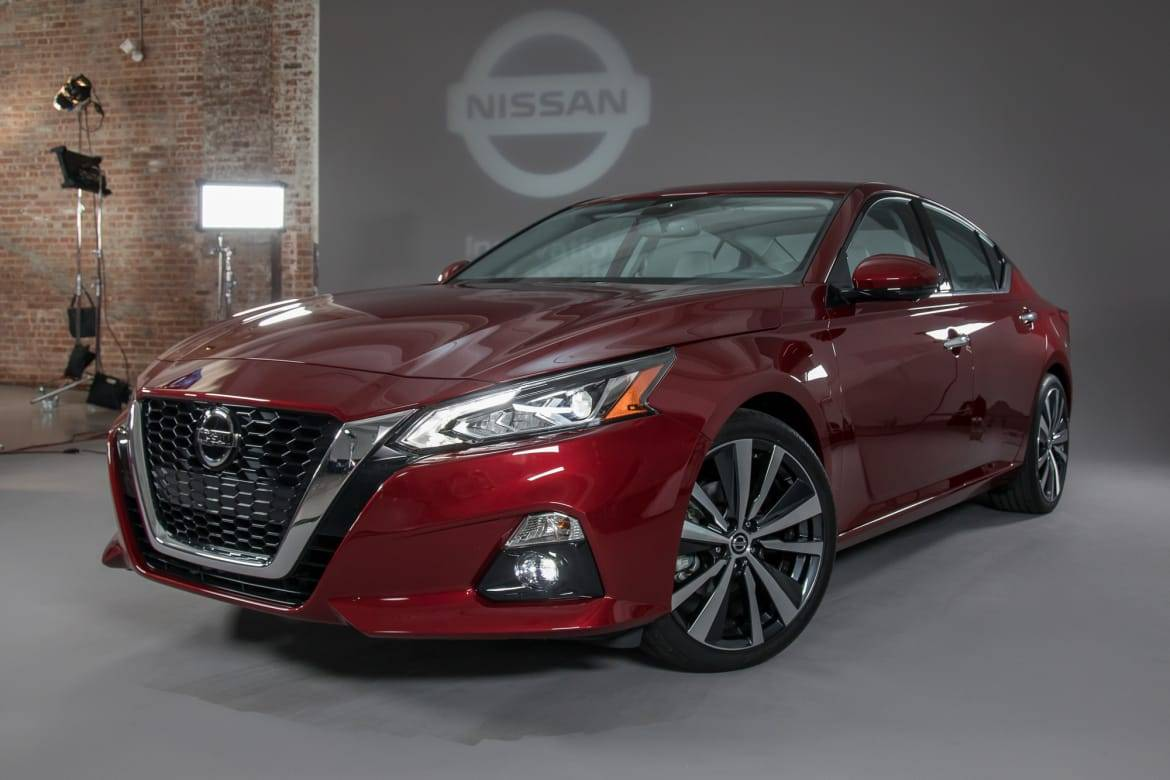 01-nissan-altima-2019-angle--autoshow--exterior--front--red.jpg