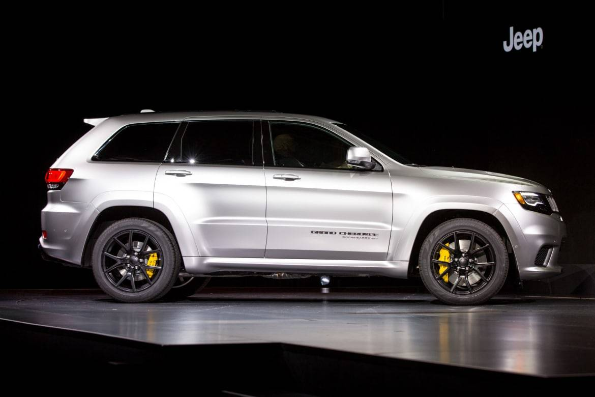 2018 Jeep Grand Cherokee Trackhawk Review First Impressions And Photo Gallery News Cars Com