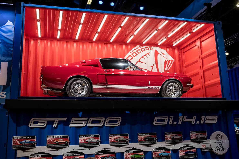 01-ford-shelby-gt500-retro.jpg
