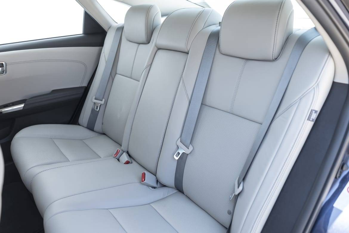Why Don T All Full Size Sedans Have Fold Down Rear Seats News Cars Com