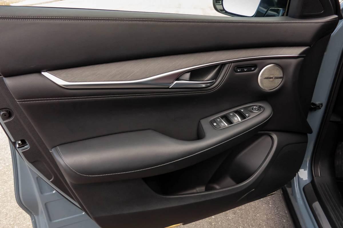 infiniti-qx55-sensory-awd-2022-22-front-row--interior.jpg