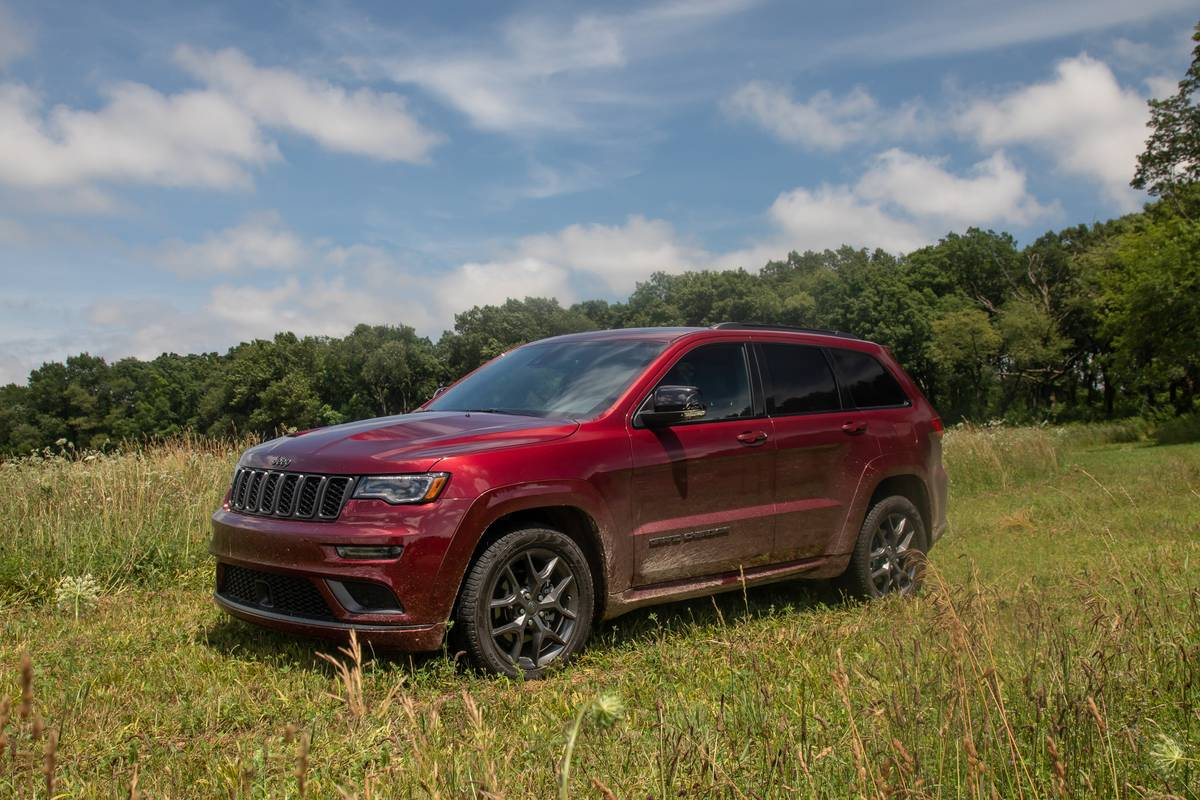 2019 Jeep Grand Cherokee Video Limited X A New Middle Ground For Buyers News Cars Com