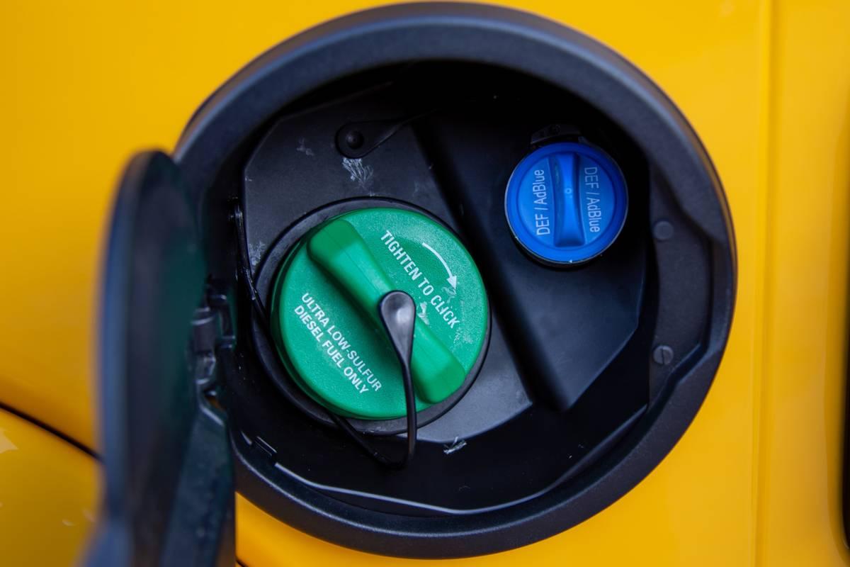 jeep-wrangler-unlimited-eco-diesel-2020-07-exterior--gas-cap--yellow.jpg