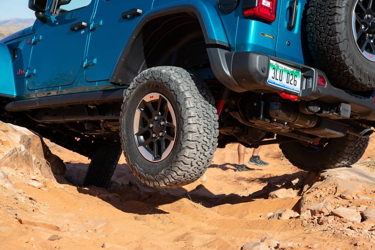 Jeep Gives EcoDiesel Wrangler, Gladiator a Raise | News from Cars.com