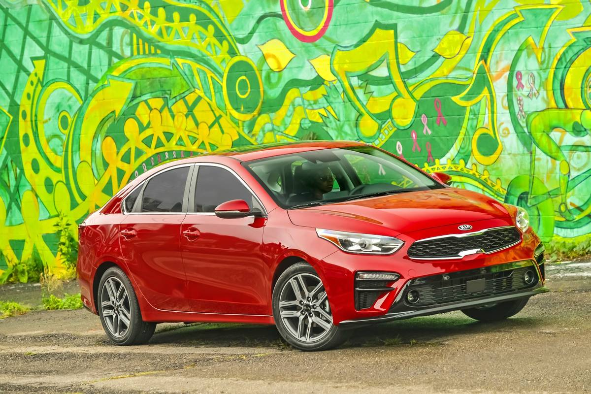 kia-forte-2020-01-angle--exterior--front--red--textures-and-patterns.jpg