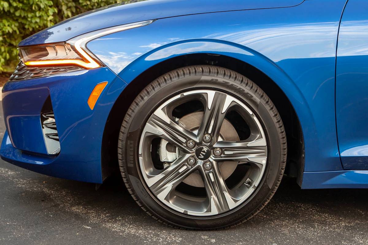 2021 Kia K5 GT Line front wheel