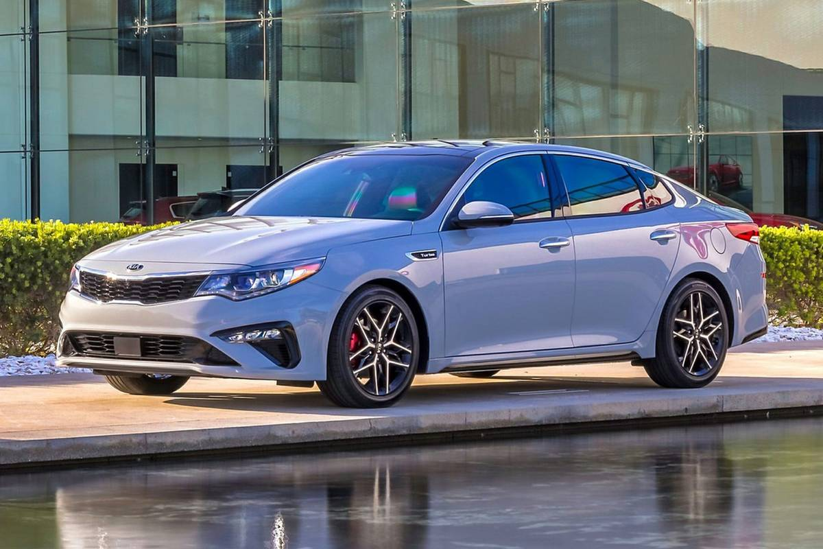 kia-optima-2020-exterior-front-three-quarter-oem