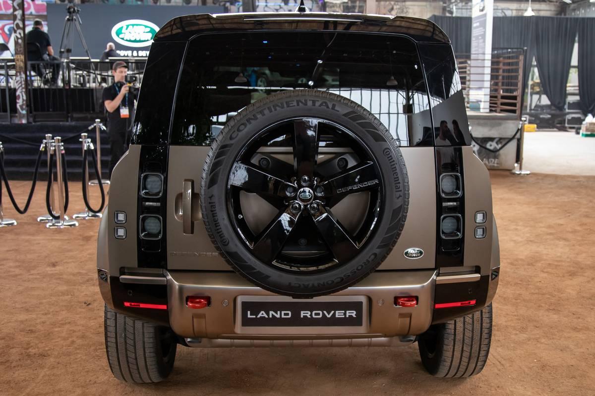 land-rover-defender-2020-cl-11-exterior-rear-beige-spare-tire.jpg