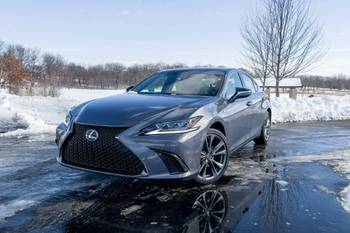 Is the 2021 Lexus ES 250 a Good Car? 4 Things We Like and 3 We're Not Crazy About