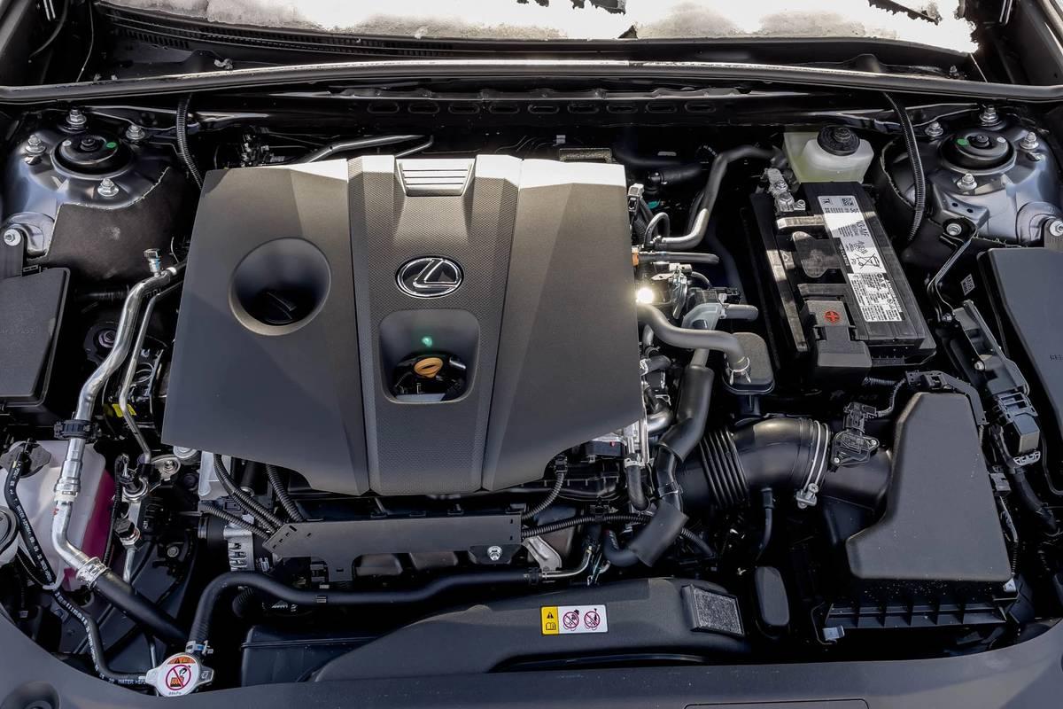 lexus-es-250-awd-f-sport-2021-15-engine--interior-.jpg