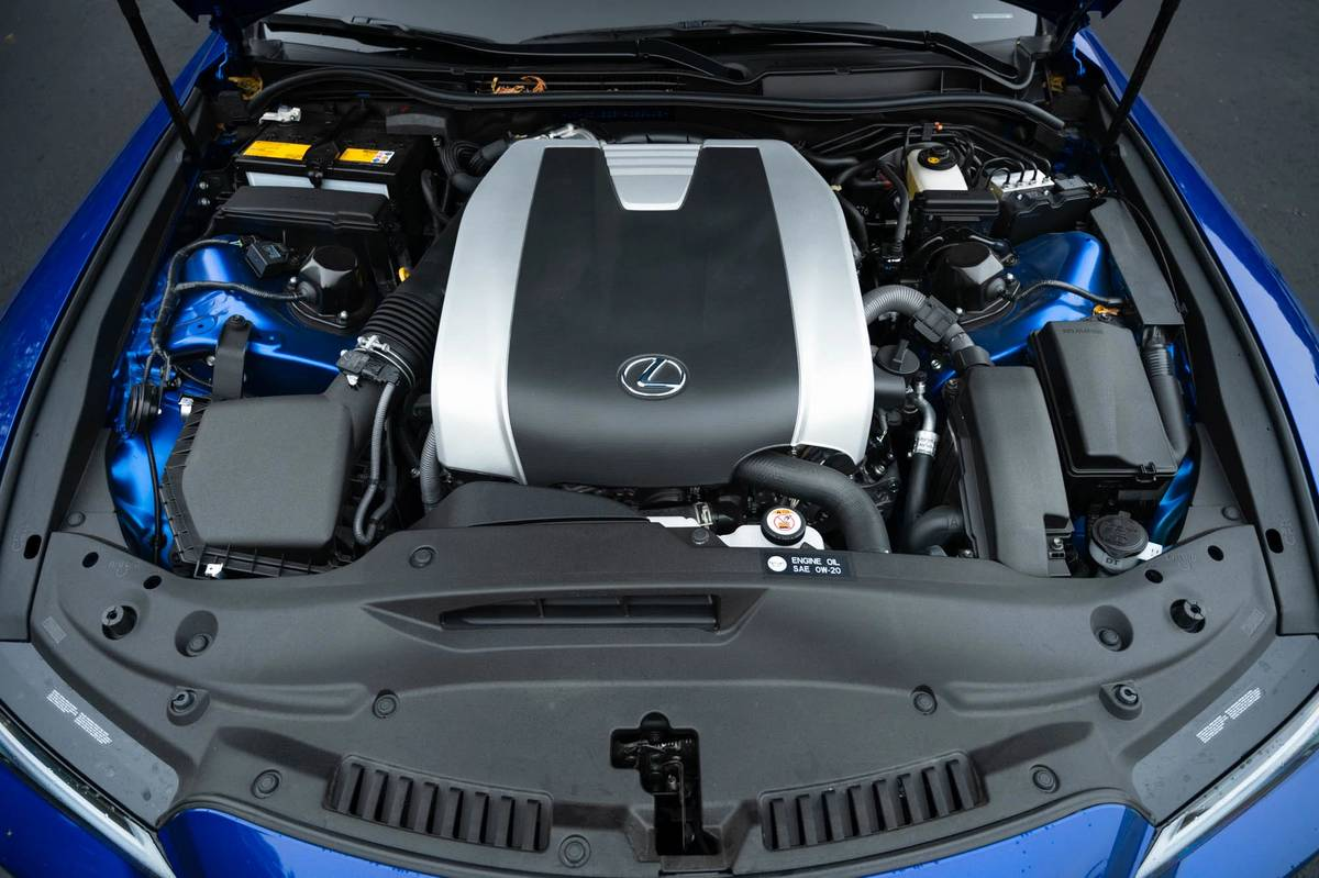 2021 Lexus IS 350 engine