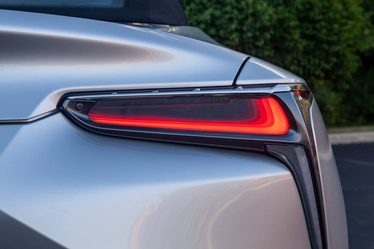 2021 Lexus LC 500 Convertible taillight