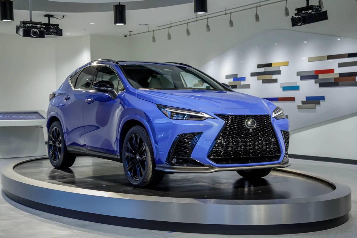 lexus-nx450h--awd-2022-01-angle--blue--exterior--front.jpg
