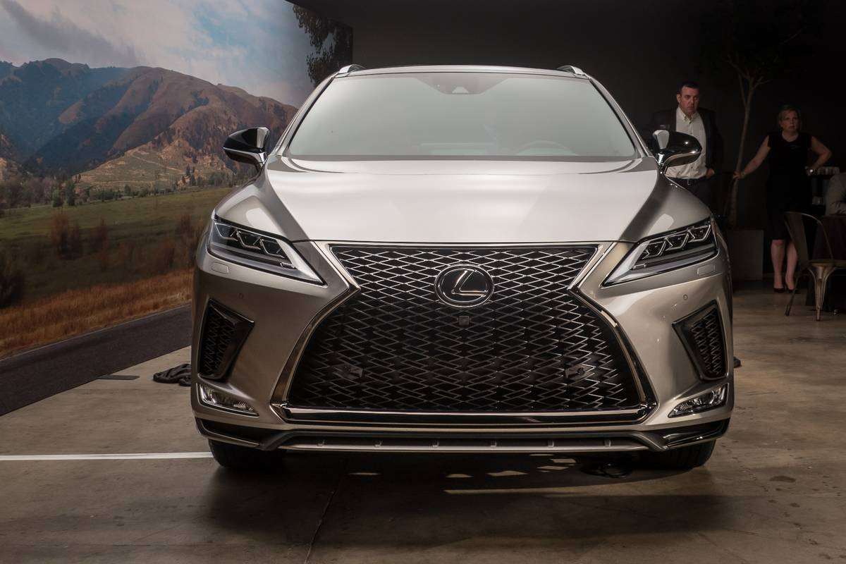Top 5 Reviews and Videos of the Week: 2020 Lexus RX Fills a Prescription for Popularity