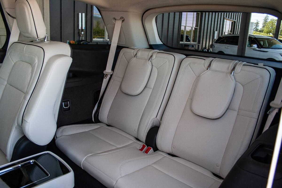lincoln-aviator-2020-11-interior--third-row.jpg
