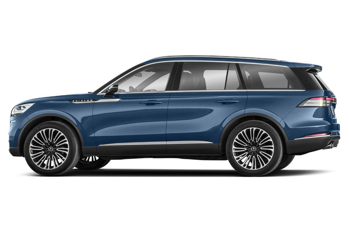 Side view of a blue 2020 Lincoln Aviator