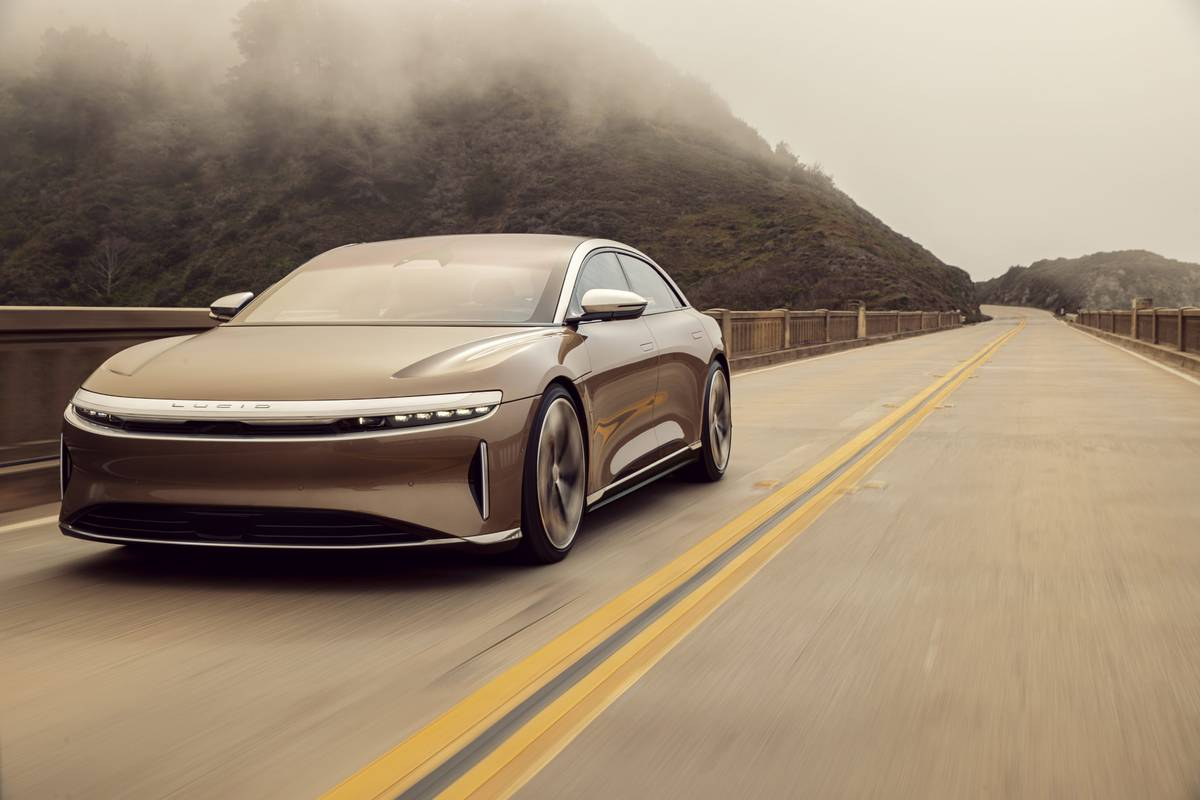 lucid-air-angle-exterior-front-oem