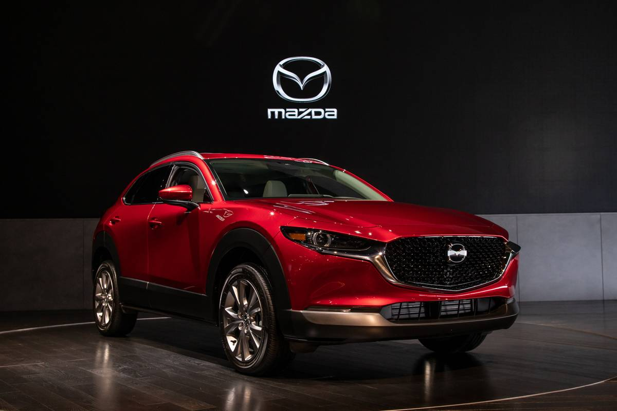 mazda-cx-30-2020-cl-04-exterior-red-front-angle.jpg