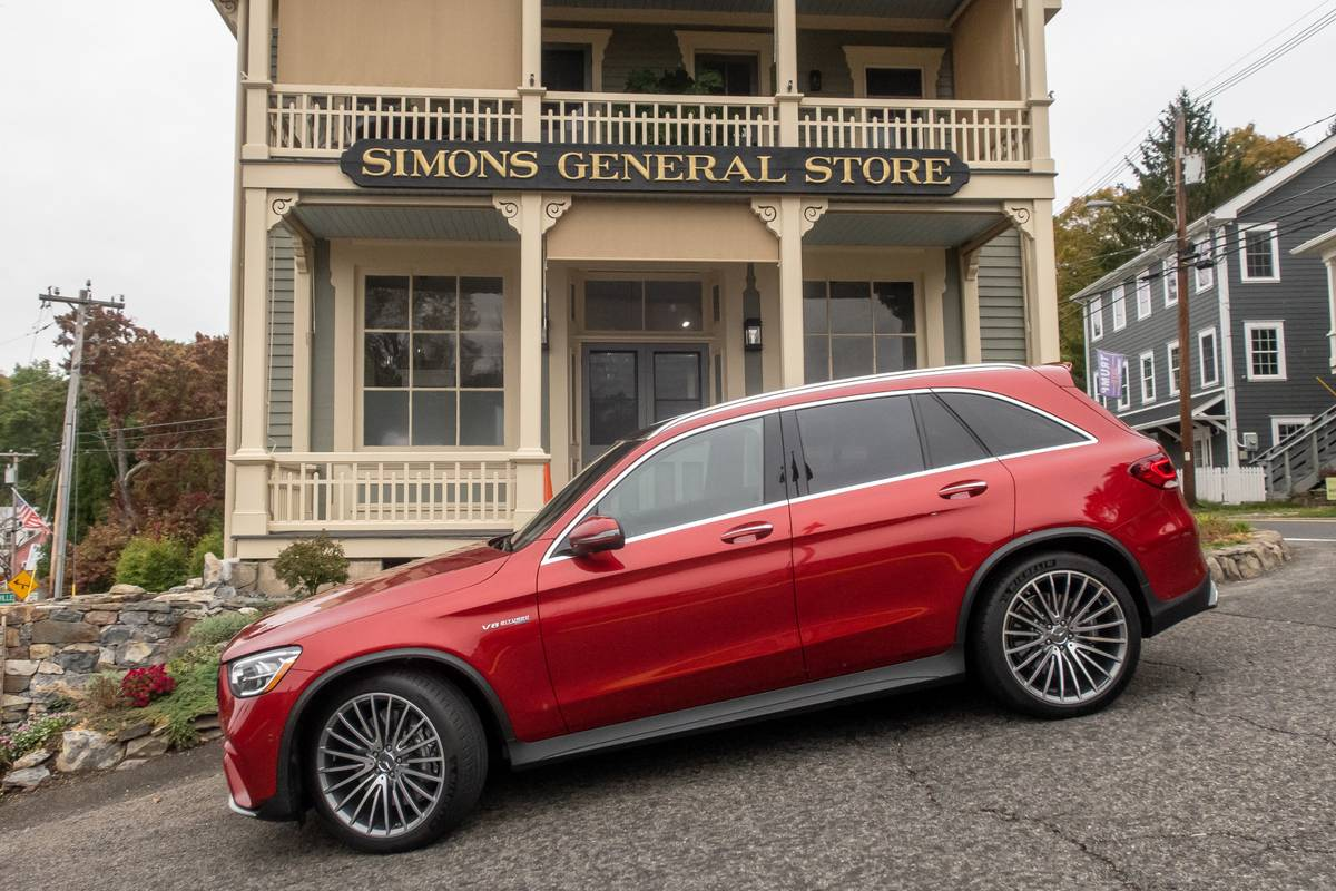 mercedes-amg-glc-63-2020-exterior--profile--red-01.jpg