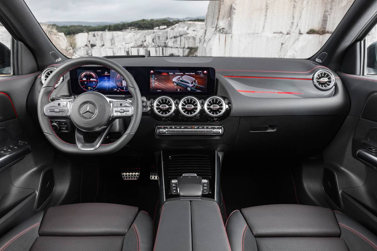 2021 Mercedes-Benz GLA-Class front row and dashboard