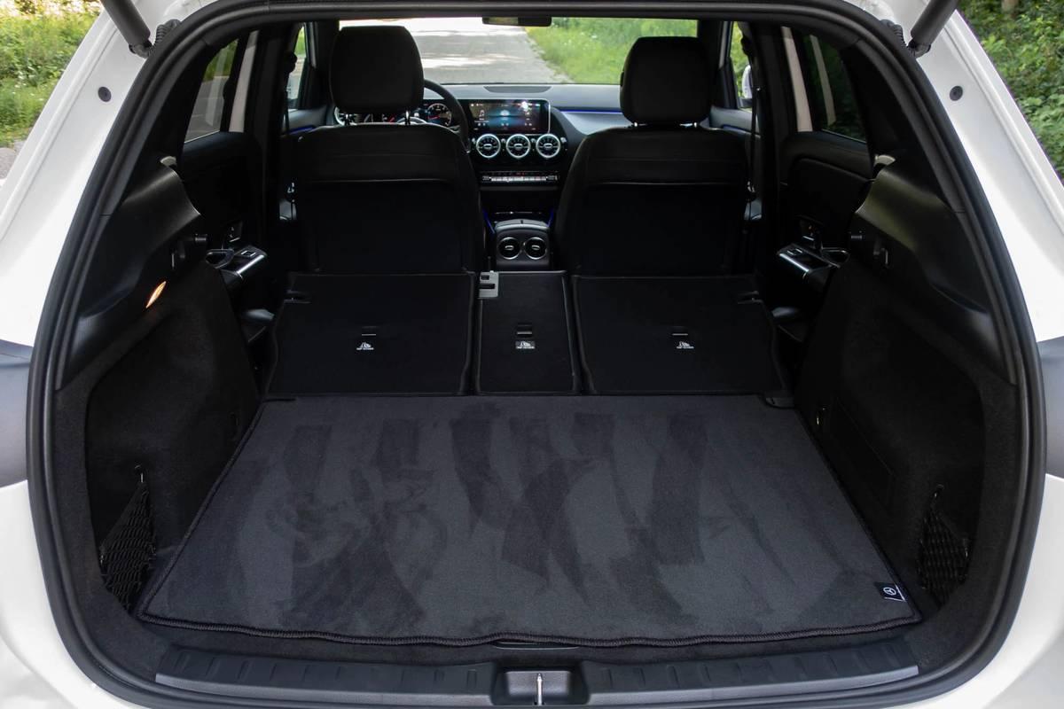 2021 Mercedes-Benz GLA 250 rear cargo