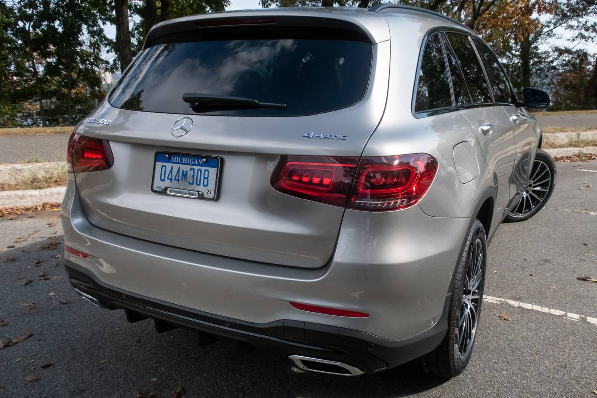 Blank Backup Camera Prompts Recall of 342,000 Mercedes Cars, SUVs