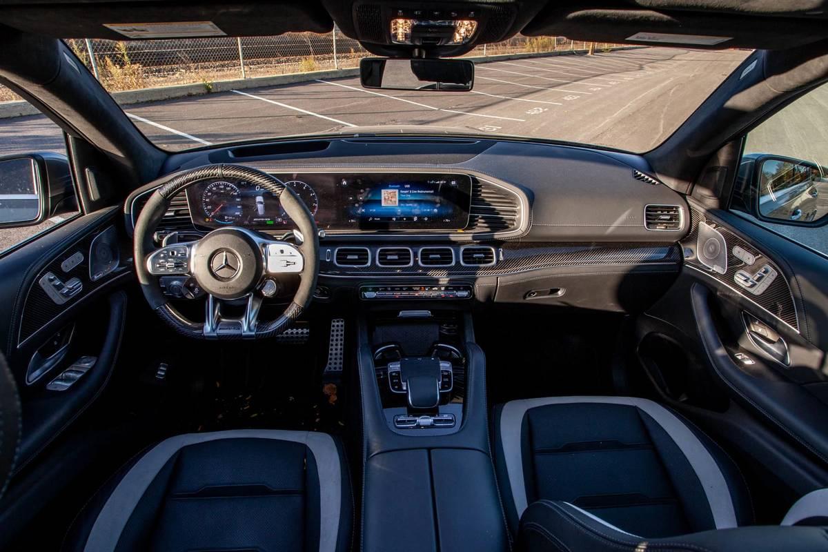 mercedes-benz-gle-63-s-2021-16-cockpit-shot--dashboard--front-row--interior.jpg