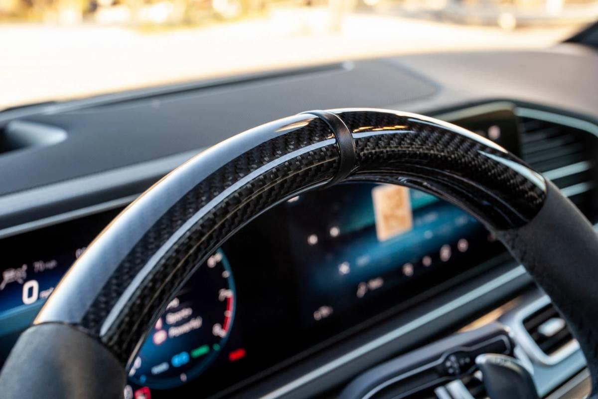 mercedes-benz-gle-63-s-2021-18-front-row--interior--steering-wheel.jpg